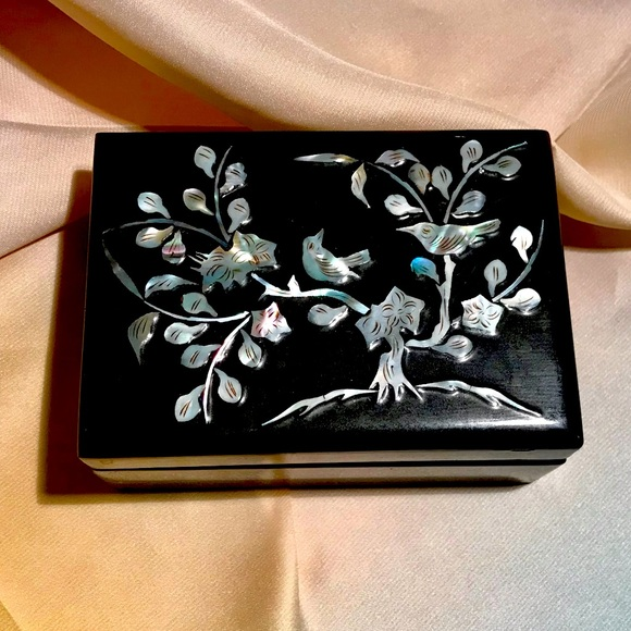Vtg Mother of Pearl Inlay Jewelry Box